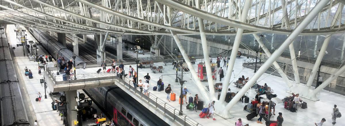 Lotnisko Roissy-Charles de Gaulle (CDG) w Paryżu we Francji